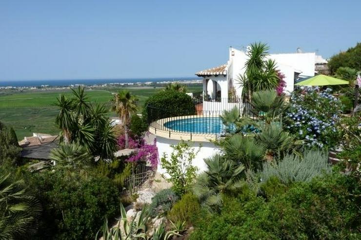 Gepflegte Villa mit Pool und spektakulärer Fernsicht über die Reisfeld bis zum Meer - Haus kaufen - Bild 1