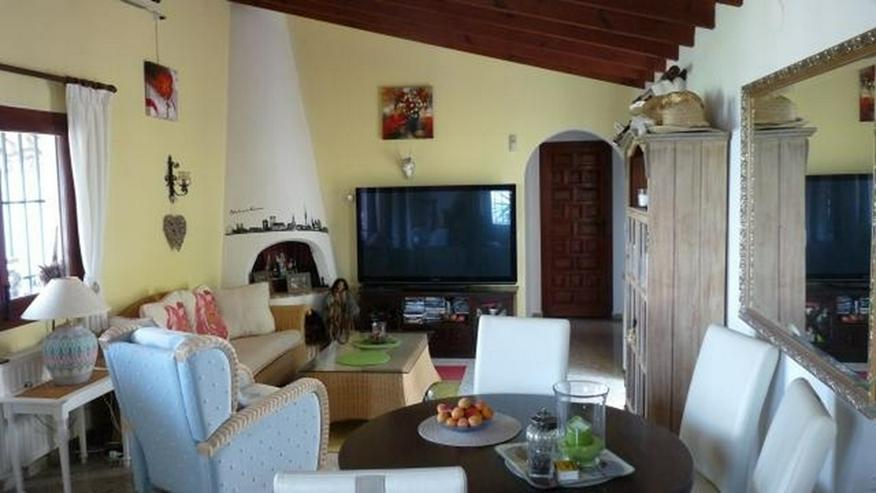Bild 4: Gepflegte Villa mit Pool und spektakulärer Fernsicht über die Reisfeld bis zum Meer