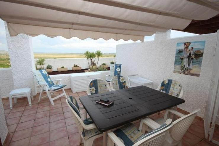 Bild 6: Modernes Apartment mit Panoramablick auf das Meer und eigenem Garten.
