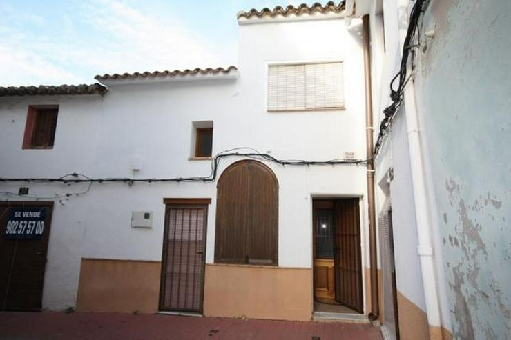 Stillvolles Stadthaus mit 4 Schlafzimmern zentrumsnah - Haus kaufen - Bild 1