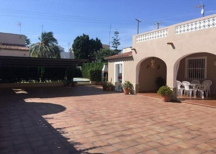 Villa in Denia / Las Marinas , 150 m vom Strand entfernt ! - Haus kaufen - Bild 1