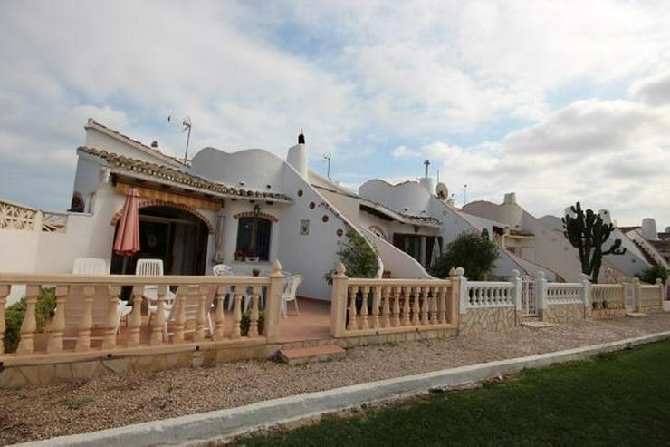 Bild 3: Reiheneck in Els Poblets , Barranquets Cl-27A n1