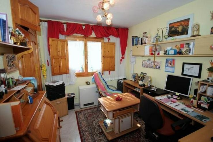 Bild 12: Meeresnahe Villa in Els Poblets, 6 Zimmer, Heizung, Kamin, Klima, Carport, Pool, BBQ