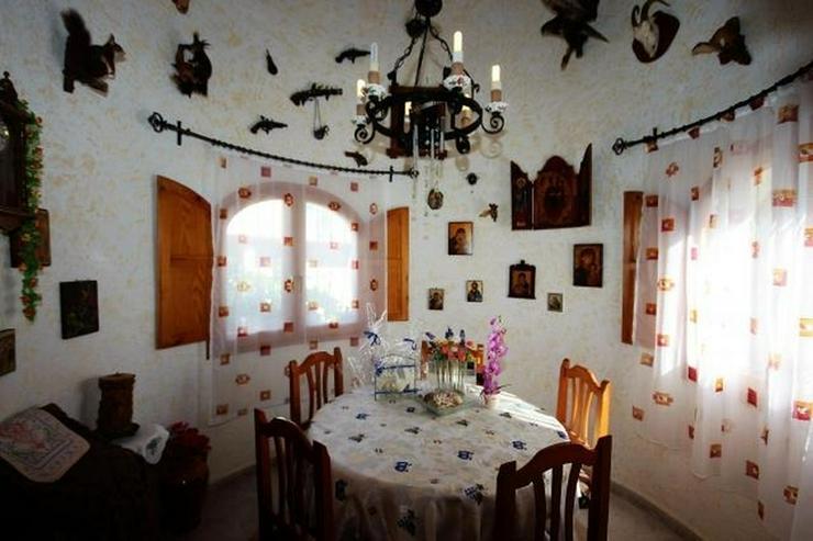 Bild 7: Meeresnahe Villa in Els Poblets, 6 Zimmer, Heizung, Kamin, Klima, Carport, Pool, BBQ