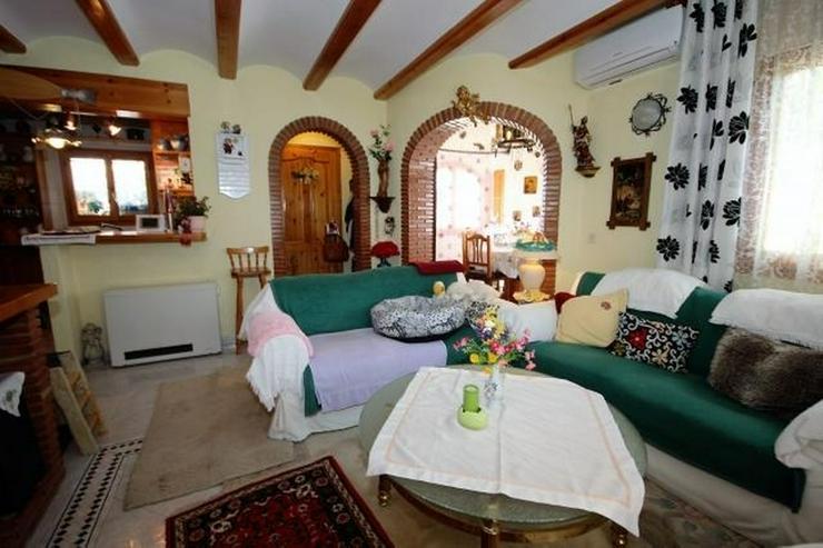 Bild 8: Meeresnahe Villa in Els Poblets, 6 Zimmer, Heizung, Kamin, Klima, Carport, Pool, BBQ