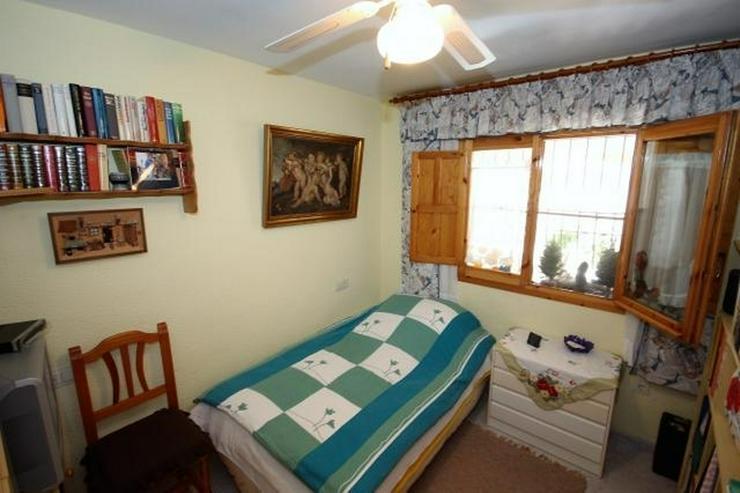 Bild 10: Meeresnahe Villa in Els Poblets, 6 Zimmer, Heizung, Kamin, Klima, Carport, Pool, BBQ