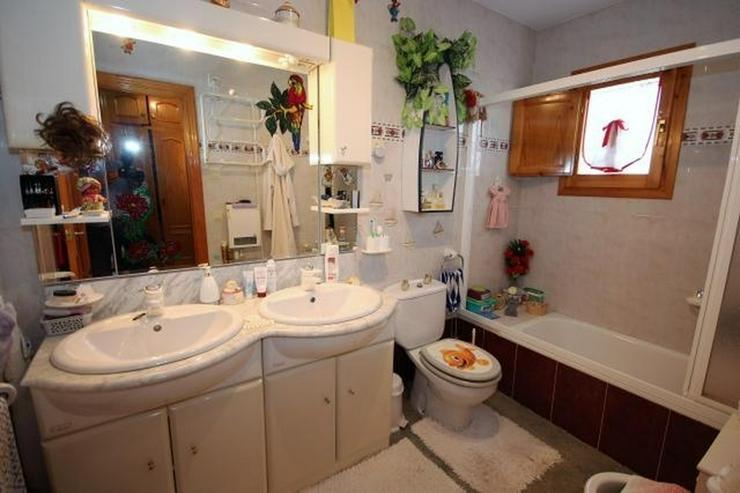 Bild 13: Meeresnahe Villa in Els Poblets, 6 Zimmer, Heizung, Kamin, Klima, Carport, Pool, BBQ