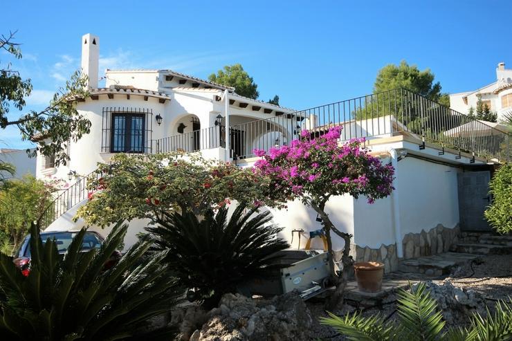 NEU ! Villa am Monte Pego, Meerblick, Bergblick, Panorama, Pool, Whirlpool, BBQ, 3 SZ , WZ... - Haus kaufen - Bild 1