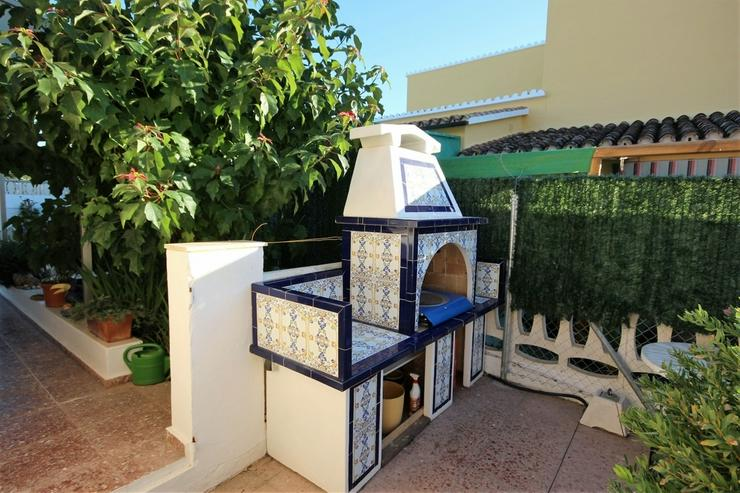 Bild 5: Meeresnahe Villa in Els Poblets , eigener Pool, BBQ, Dachterrasse, 1 WZ, 3 SZ, 2 BZ, Kamin...