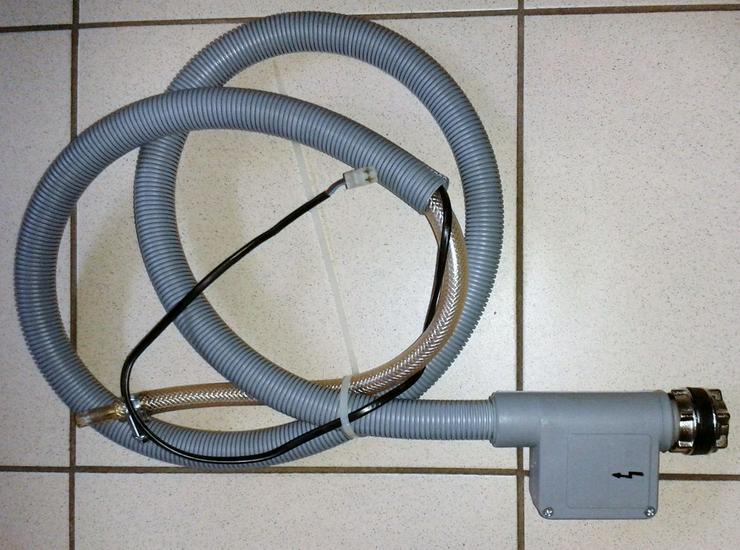 Wasserzulaufschlauch mit Magnetventil