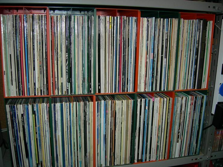 CDs und Vinyl-Schallplatten privat zu verkaufen