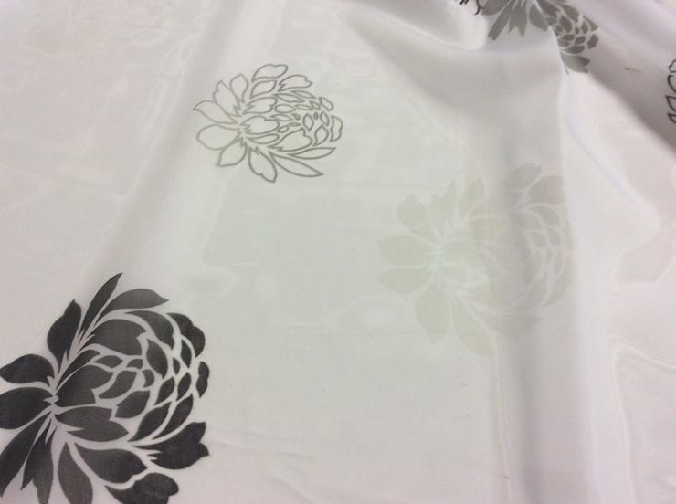 Bild 2: Gardine Blumenmuster weiß,anthrazit,schwarz