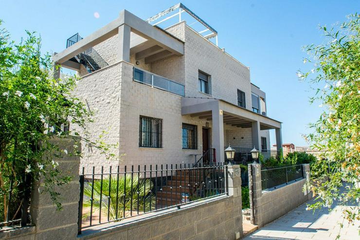 Haus In Spanien 3sz 2ba Dachterrasse In Torrevieja Auf