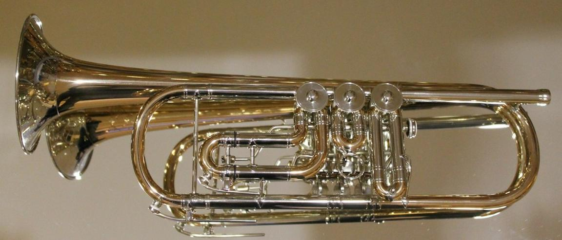 Bild 2: Meister J. Scherzer Konzerttrompete Goldmessing