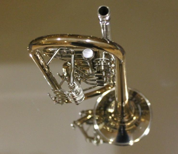 Bild 3: Meister J. Scherzer Konzerttrompete Goldmessing