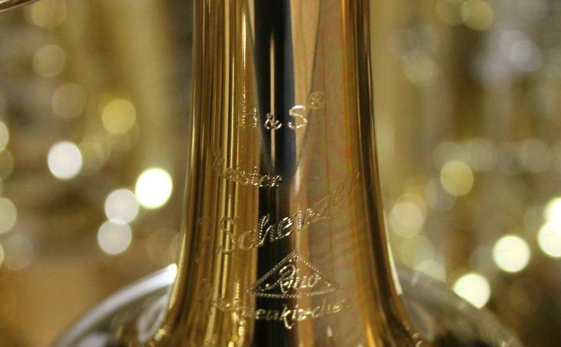 Bild 4: Meister J. Scherzer Konzerttrompete Goldmessing