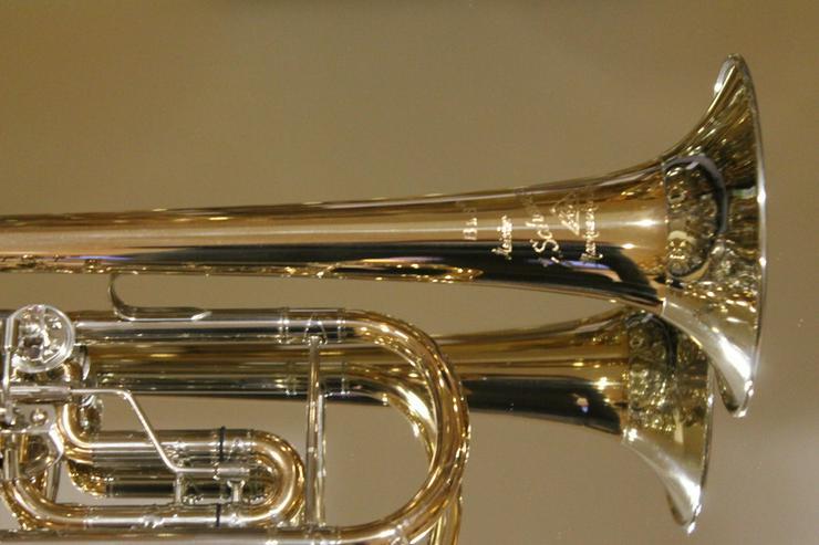 Bild 5: Meister J. Scherzer Konzerttrompete Goldmessing