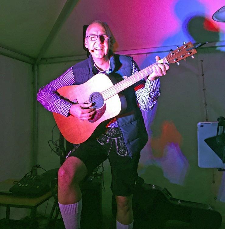 Bild 13: Solist Gitarre Gesang Alleinunterhalter