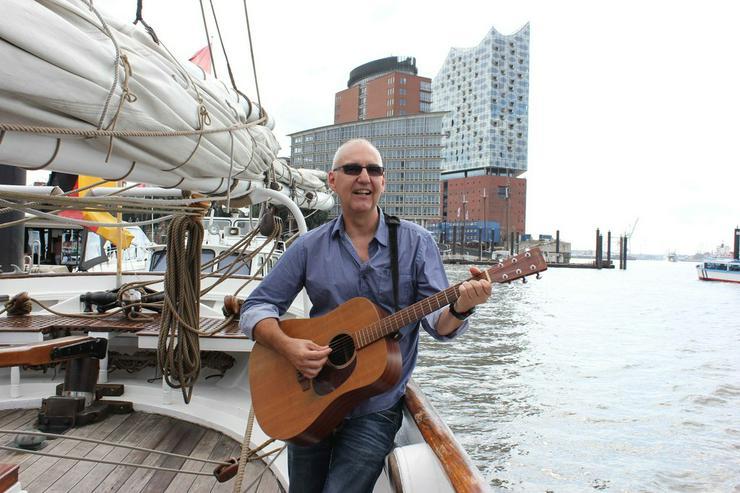 Bild 9: Solist Gitarre Gesang Alleinunterhalter