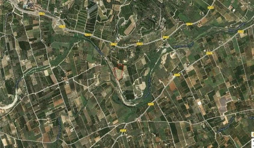 Bild 3: Grundstück von 10.100 qm mit der Bau Möglichkeit, zwischen Sanet y Negrals und Beniarbei...