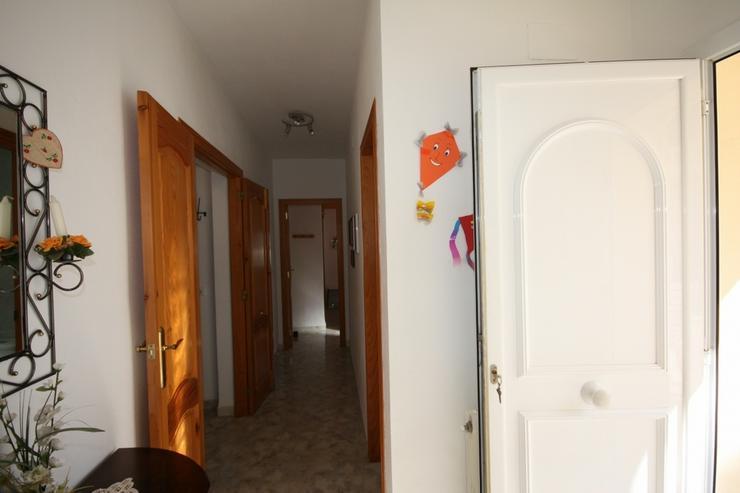 Bild 3: Sehr gepflegte 2 Schlafzimmer Villa mit 2 Badezimmern, separatem Appartement, Privatpool u...