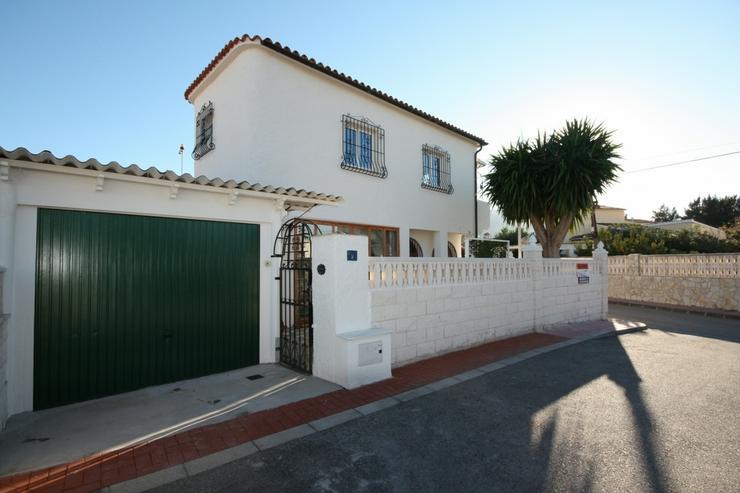 Moderne 2 Schlafzimmer Villa, 2 separate Wohneinheiten in Els Poblets