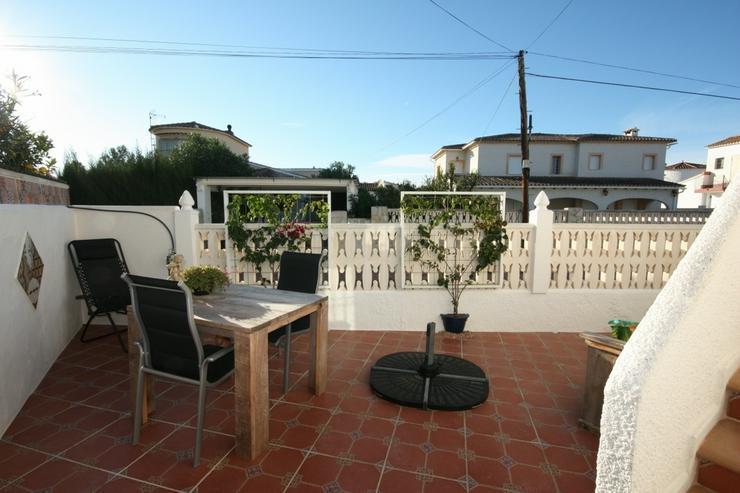 Bild 5: Moderne 2 Schlafzimmer Villa, 2 separate Wohneinheiten in Els Poblets