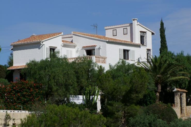 Schöne 3 Schlafzimmervilla mit 2 Bäder, Zentralheizung und stadtnah gelegen - Haus kaufen - Bild 1