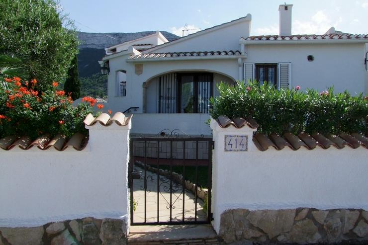 Bild 3: Schöne 3 Schlafzimmervilla mit 2 Bäder, Zentralheizung und stadtnah gelegen