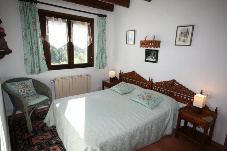 Bild 6: Schöne 3 Schlafzimmervilla mit 2 Bäder, Zentralheizung und stadtnah gelegen