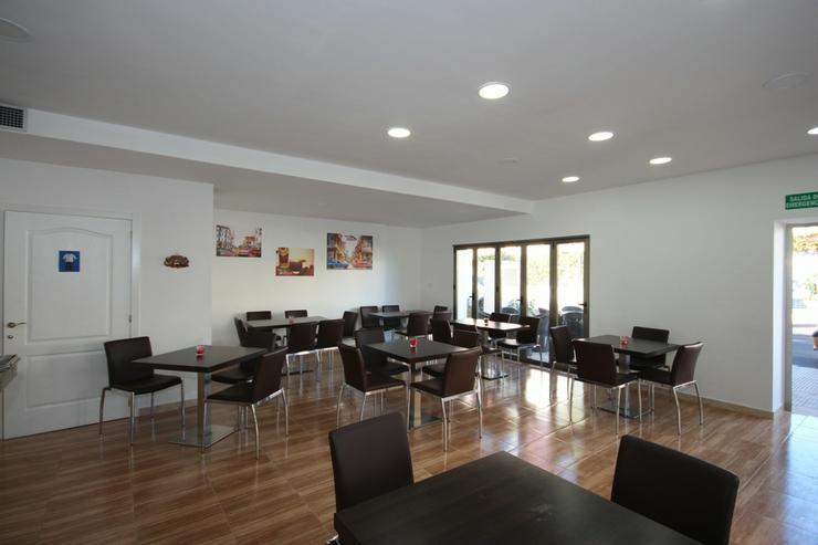Bild 2: Existenzgründung: Beliebtes, neu renoviertes Restaurant mit Gartenterrasse und einer Wohn...