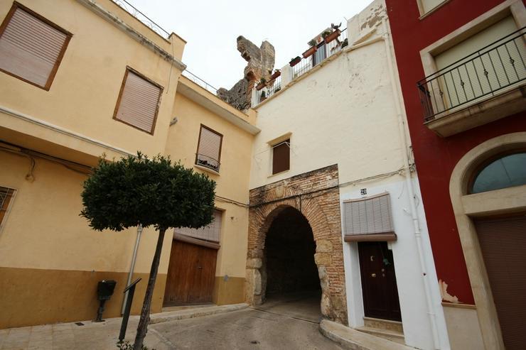 Schönes Stadthaus mit Flair, im Herzen von Pego mit 2 Schlafzimmern und nah an allen Anne...