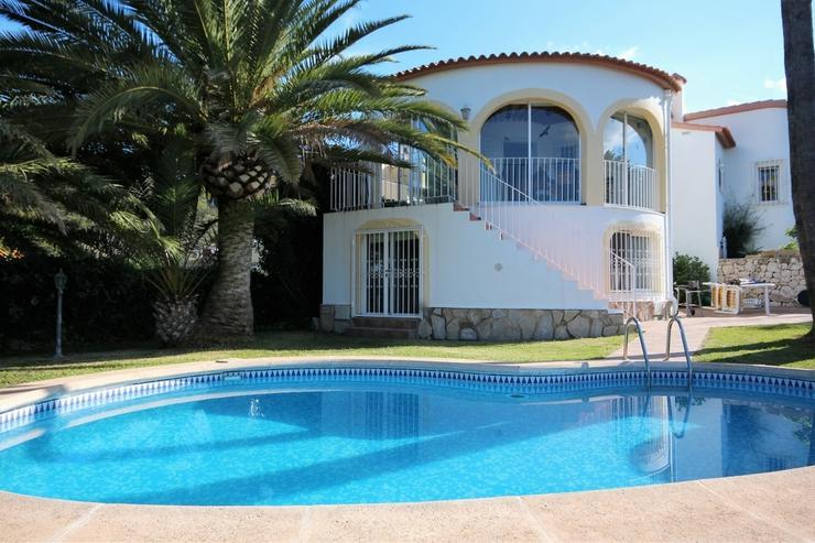 Sehr gepflegte Villa in Oliva mit Privatpool und herrlichen Ausblick.