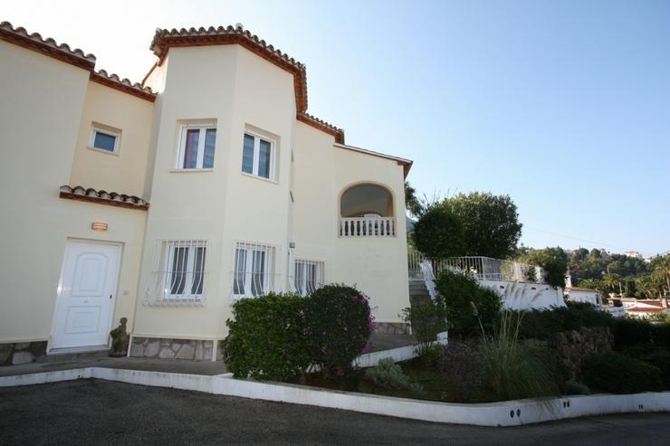 Bild 2: Sehr schöne und imposante Villa mit 2-3 Schlafzimmern und Privatpool in Denia