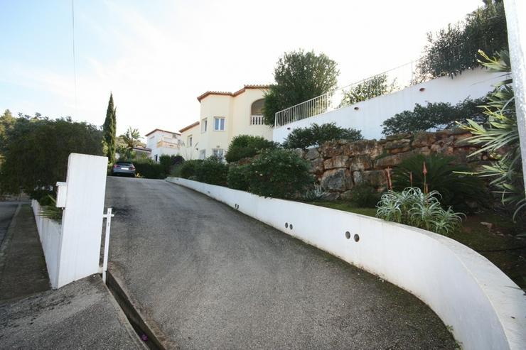 Bild 4: Sehr schöne und imposante Villa mit 2-3 Schlafzimmern und Privatpool in Denia