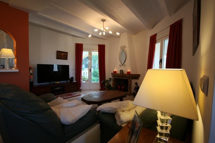 Bild 5: Sehr schöne und imposante Villa mit 2-3 Schlafzimmern und Privatpool in Denia