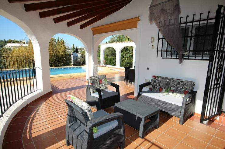 Bild 4: Großzügige Villa mit 4 Schlafzimmer in ruhiger, sonniger Lage am Monte Pego mit Blick au...