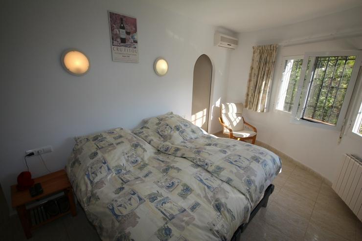 Bild 6: Großzügige Villa mit 4 Schlafzimmer in ruhiger, sonniger Lage am Monte Pego mit Blick au...
