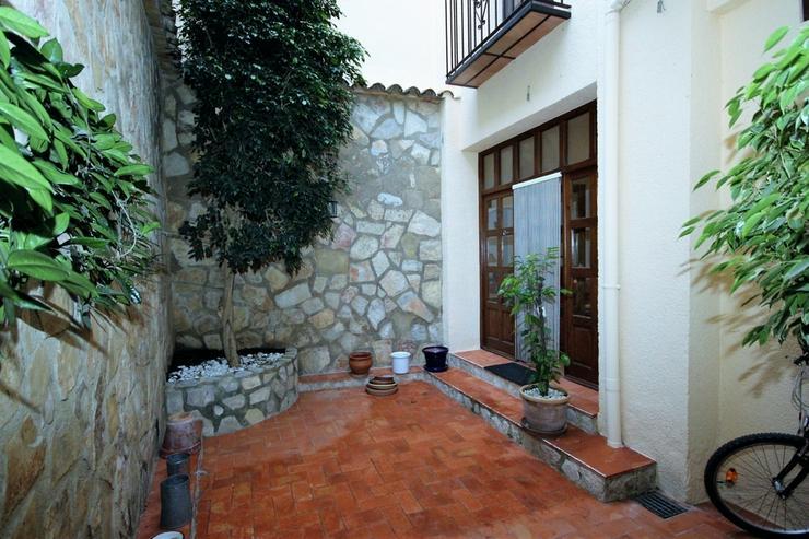 Bild 3: Hochwertiges Stadthaus in Adsubia mit 3 Schlafzimmern, 2 Bädern, 3 Terrassen, Patio, TV-S...