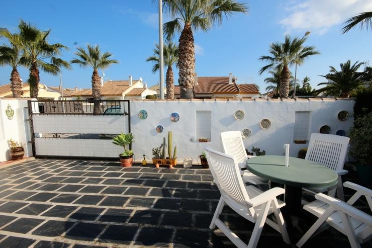 Bild 7: MJ-0117 Charmante kleine Dhh / Villa mit 4 Zimmern, 2 Bädern, 300m vom Strand entfernt.