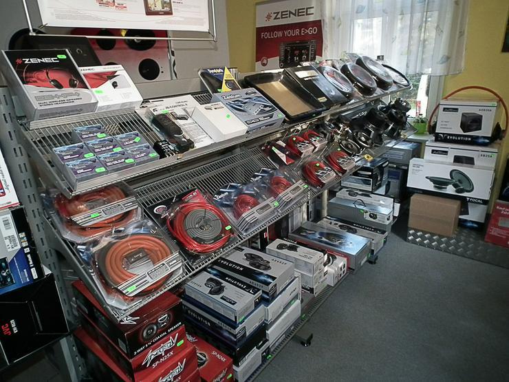Bild 3: Audio System CO-65.4 Endstufe 4 Kanal 420W