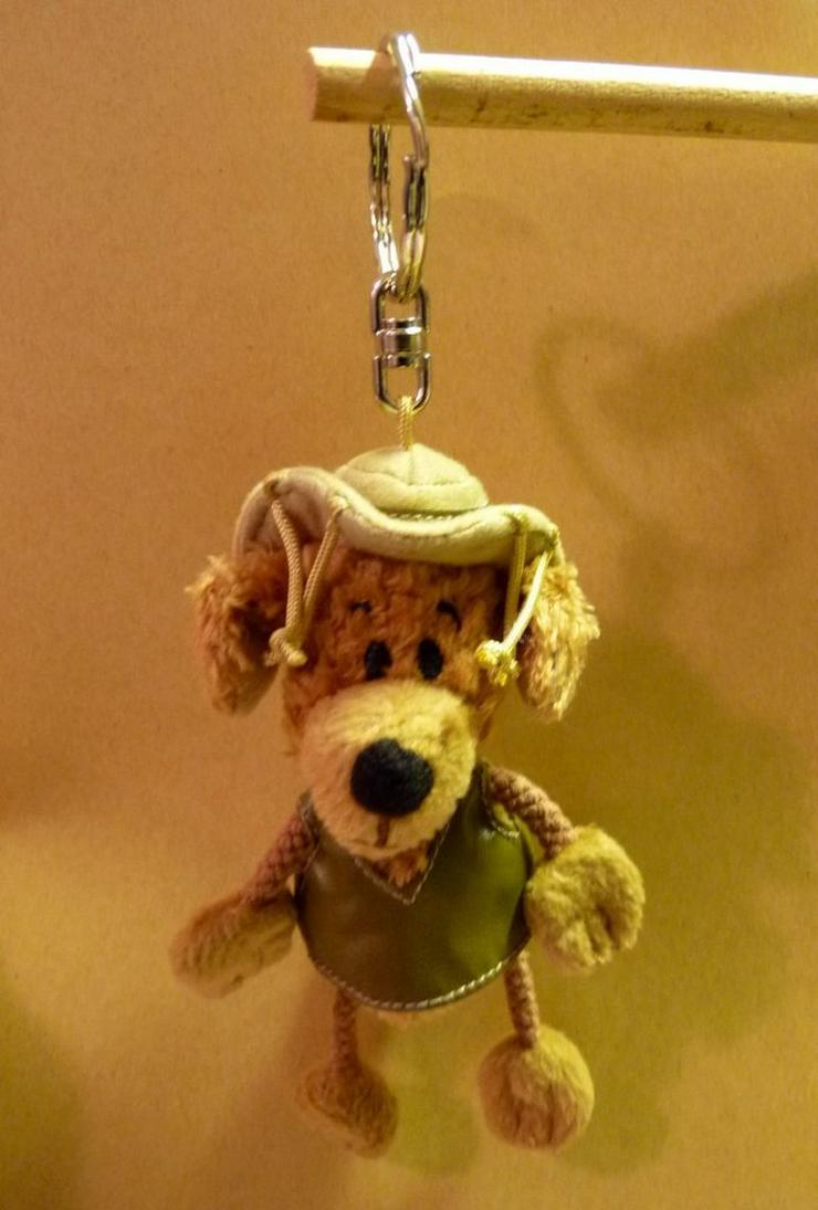 Hund aus Teddy als Schlüsselanhänger