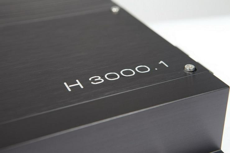 Bild 5: Audio System H3000.1D Helon Endstufe 3000W