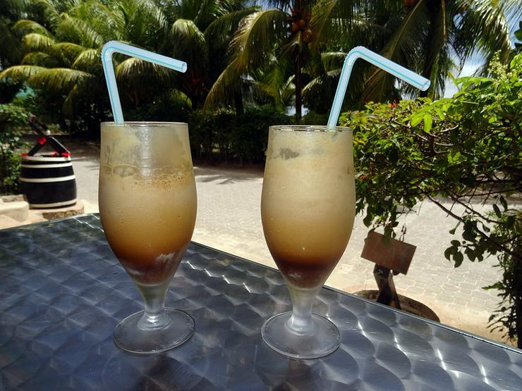 Bild 13: Segeln im Traumrevier Seychellen auf Katamaran