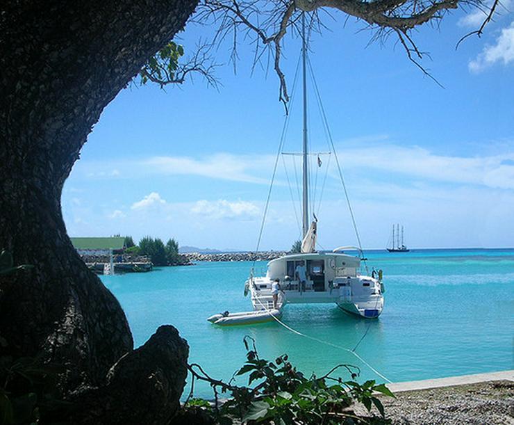 Bild 15: Segeln im Traumrevier Seychellen auf Katamaran