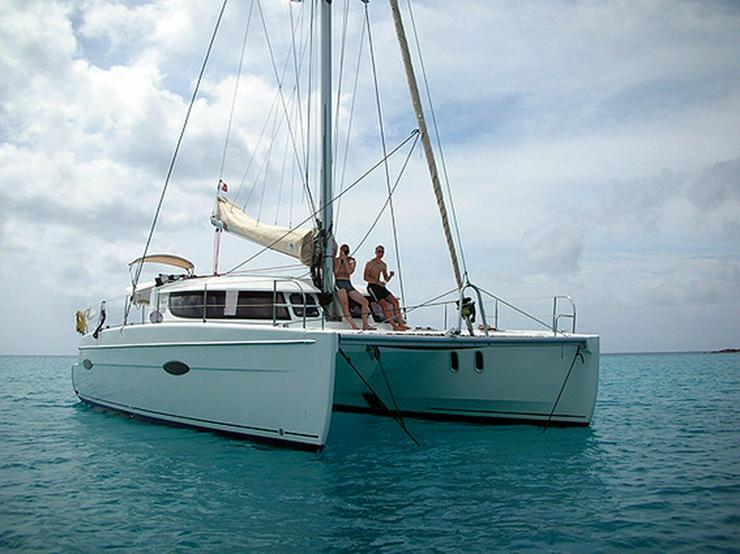 Bild 7: Segeln im Traumrevier Seychellen auf Katamaran
