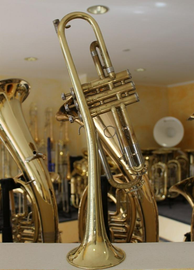 Bild 14: King Cleveland Superior Gillespie Trompete