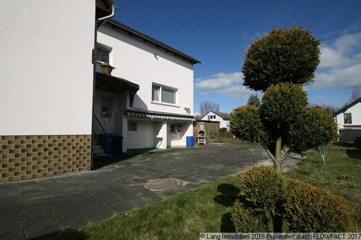 Bild 3: Freies Grundstück + Geräumige Doppelhaushälfte mit 7 Zimmern im Doppelpack zu verkaufen...