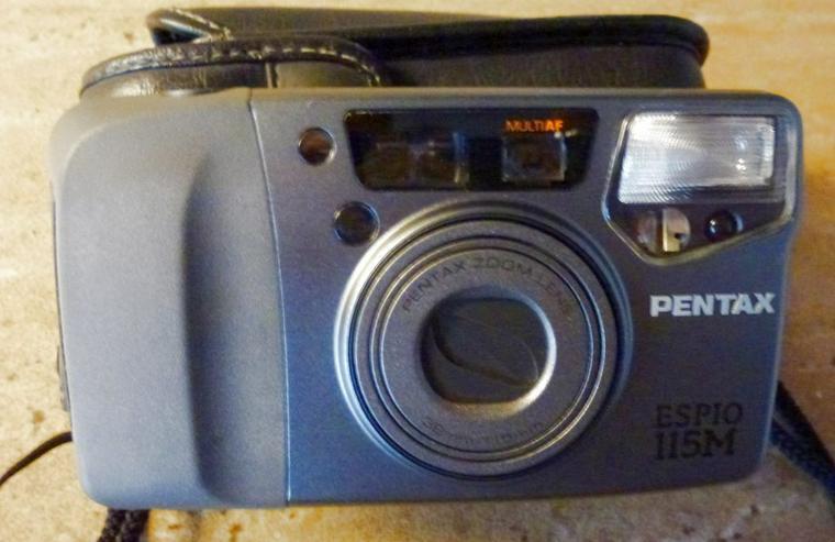 Autofocuskamera PENTAX-ESPIO 115 M, silber-schwarz , Bereitschaftstasche