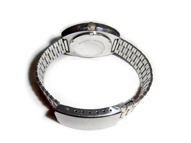 Bild 3: Große Armbanduhr von Dugena